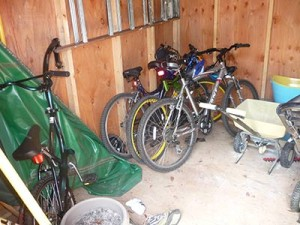 before-organize-shed-P1020967